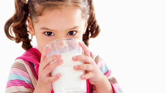 Mách bạn cách lựa chọn sữa tươi cho bé