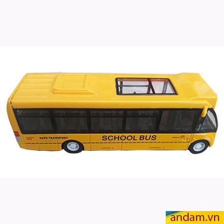 Xe buýt đẩy trớn màu vàng
